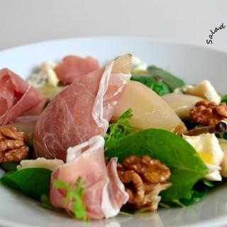 The sexiest salad ever (ή σαλάτα με αχλάδια, προσούτο και γκοργκοντζόλα)