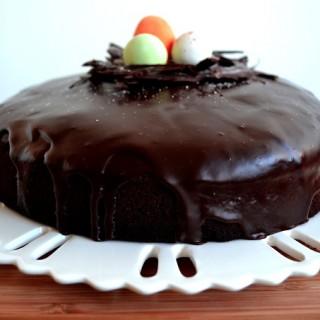 Σοκολατένιο πασχαλιάτικο κέικ