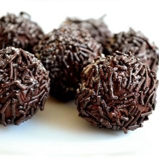Τρουφάκια σοκολάτας