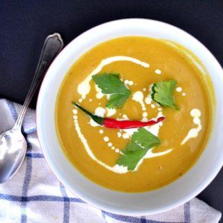 Καυτερή σούπα λαχανικών