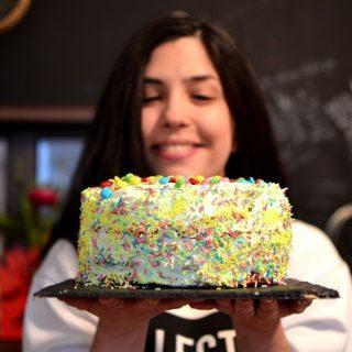 Cook with me  – Κέικ «Ξύπνα Θανάση» (funfetti cake)