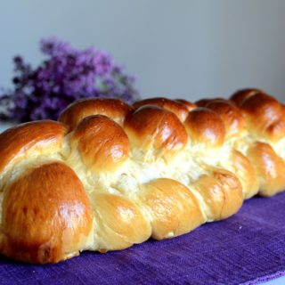 Τσουρέκια multinational – Challah