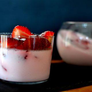 The bikini project – Γιαουρτογλυκό με φράουλες